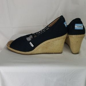 Tom's wedge peep toe espadrilles black sz W 10